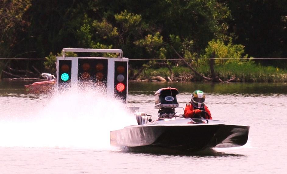 First Quadriplegic to Race Drag Boat